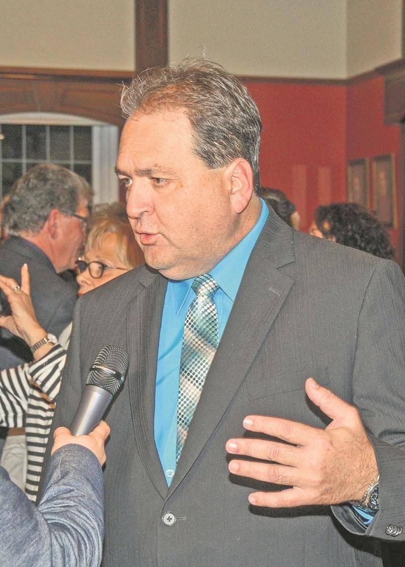 Largement impliqué dans le développement économique de la Ville, Alain Leclerc doit céder sa place cau district Bois-Joli à Claire Gagné.