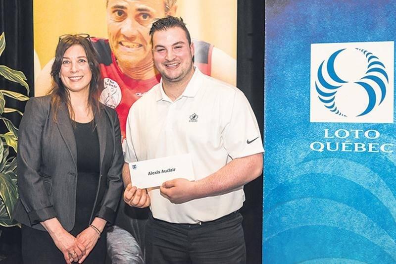 Le joueur de parahockey Alexis Auclair récompensé
