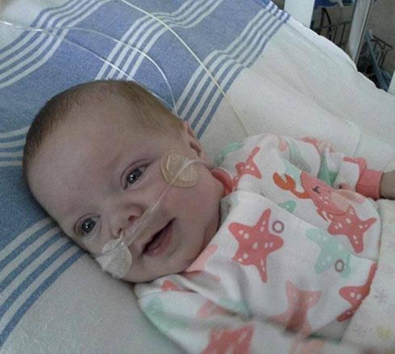 À sept mois, Joély Plourde a déjà subi une chirurgie cardiaque et est en attente d'une deuxième, car elle souffre d'une malformation au coeur.