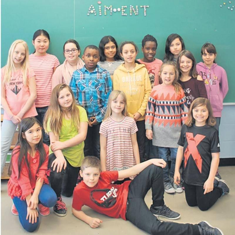 Les élèves de l'école Saint-Sacrement, ayant réalisé le projet Aim-Ent, finalistes locaux et gagnants régionaux pour le 2e cycle du primaire.