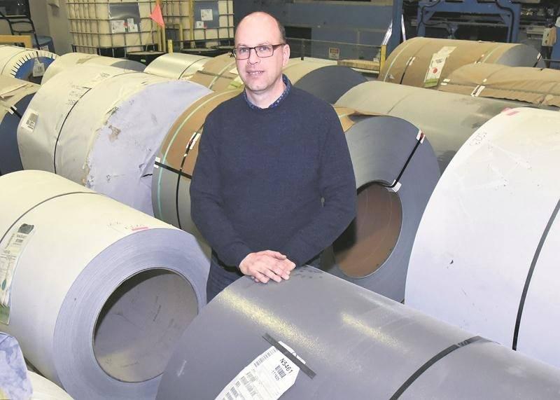 Stéphane Morin, directeur de l'usine Norbec Architectural à Saint-Hyacinthe.  Photo François Larivière | Le Courrier ©