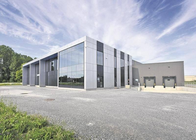 L'usine neuve et vide de Saint-Hyacinthe Technopole a nécessité un investissement de 8 M$. Elle est au cœur d'une réclamation de 430 000 $ d'un des sous-traitants impliqués dans sa construction complétée à 90 %. Photothèque Le Courrier