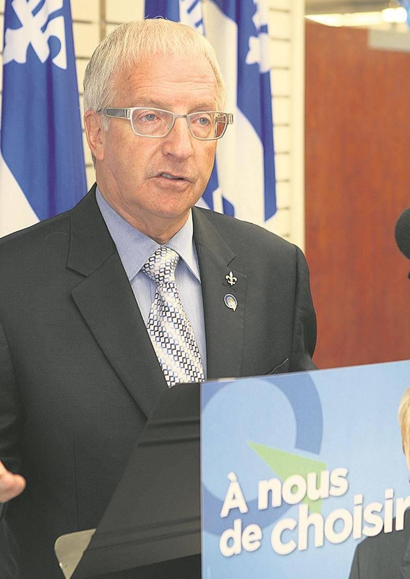 Lorsqu'il était député de Saint-Hyacinthe, le péquiste Émilien Pelletier s'était impliqué dans le projet de remplacement du passage à niveau sur l'autoroute Jean Lesage.  Photothèque | Le Courrier ©