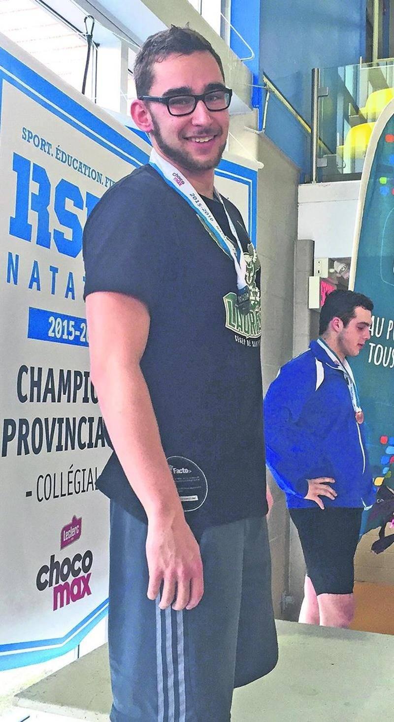 Carl Martin est monté sur le podium à deux reprises en style brasse au championnat provincial collégial de natation. Photo Courtoisie Lauréats du Cégep de Saint-Hyacinthe