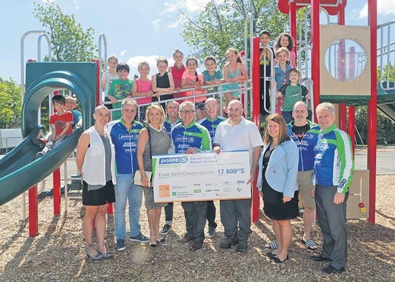 L'école Saint-Charles-Garnier reçoit 17 800 $ de l'équipe « Point S »