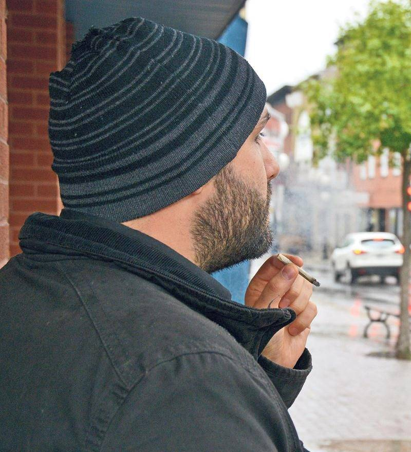 La Ville de Saint-Hyacinthe souhaite bannir le cannabis de tous les lieux publics, mais n'a pas légiféré à temps pour le 17 octobre. Photo François Larivière | Le Courrier ©