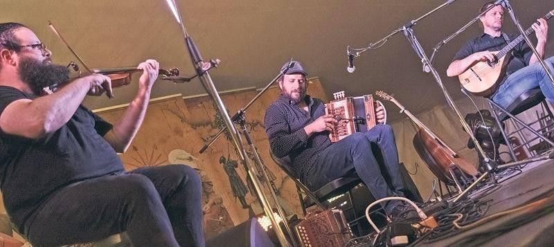 Fort de son Félix remporté dans la catégorie Album de l'année - musique traditionnelle, le groupe De Temps Antan foulera pour la première fois les planches du Zaricot demain soir. Photo courtoisie