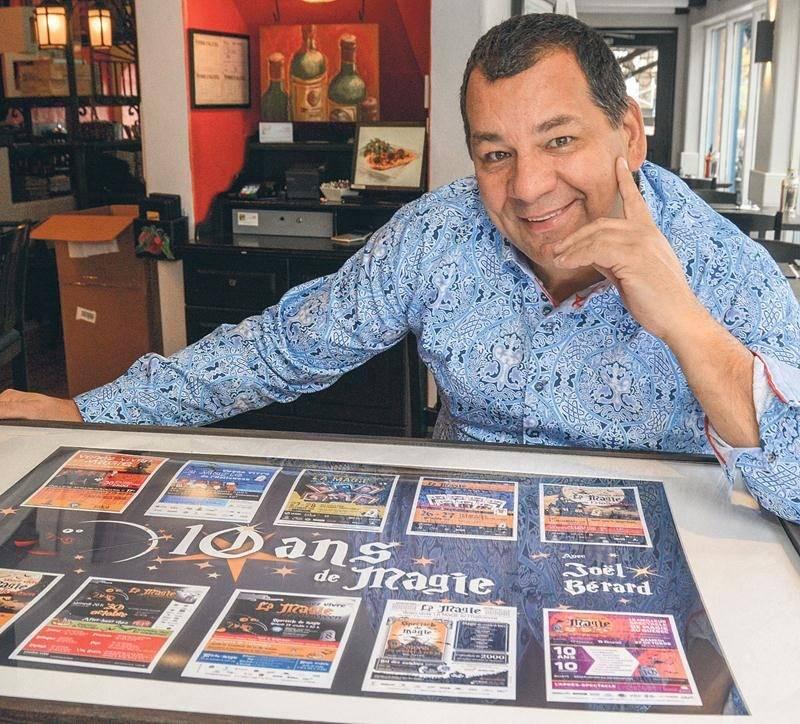 Depuis les tous débuts de La magie de l'Halloween, le Maskoutain Joël Bérard accueille certains des plus grands magiciens du Québec. Photo François Larivière | Le Courrier ©