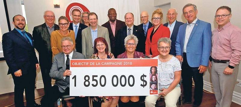 C'est en compagnie d'Annie Brocoli et de nombreux partenaires qu'a été dévoilé l'objectif de la campagne 2018 de Centraide Richelieu-Yamaska : 1 850 000 $. Photo Robert Gosselin | Le Courrier ©