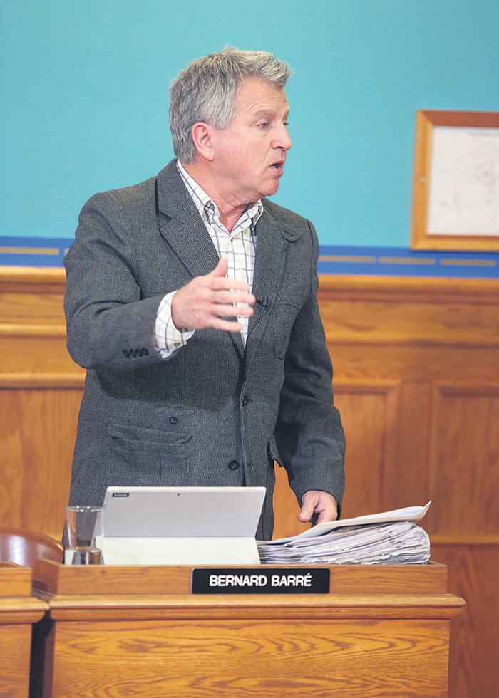 Une embauche a encore une fois suscité des dissidences au conseil municipal de Saint-Hyacinthe.