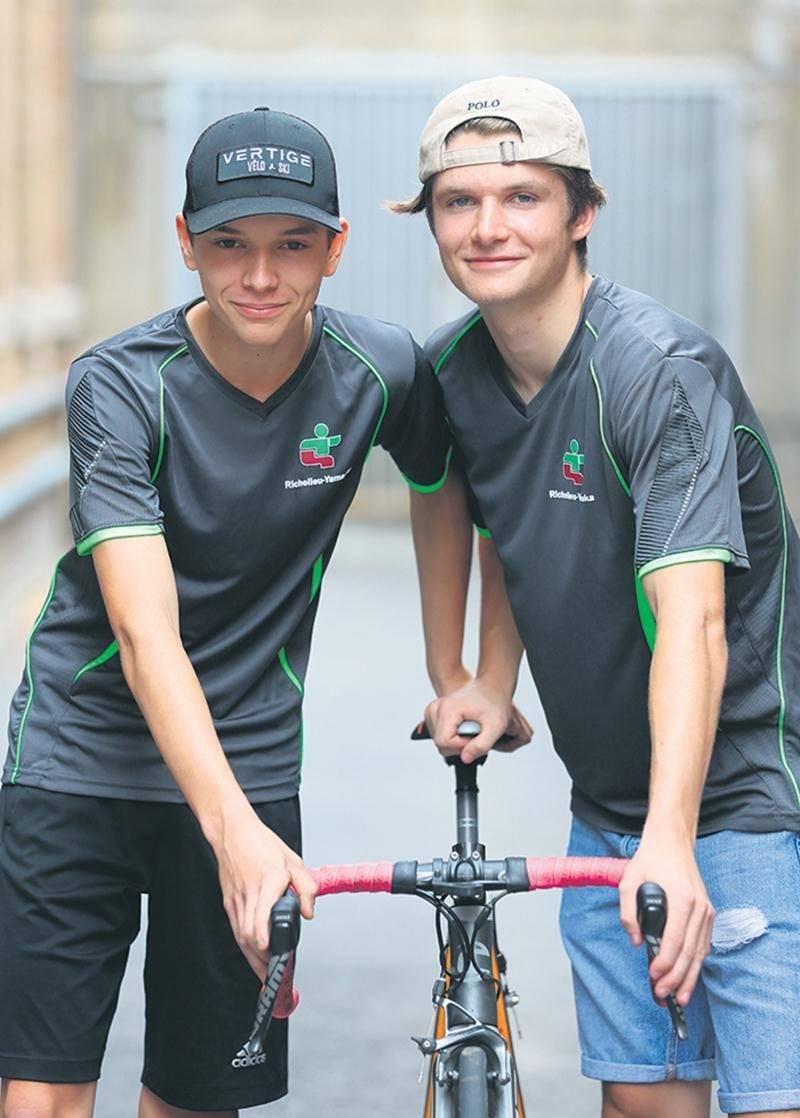 Matis Boyer et Nicolas Ippersiel font partie de l'équipe de cyclisme de Richelieu-Yamaska pour une deuxième édition. Photo Robert Gosselin | Le Courrier ©