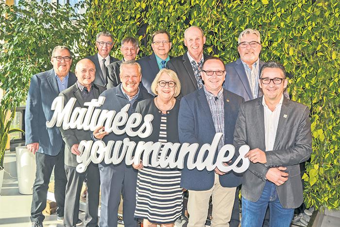 Sur la photo, rangée du haut, les maires Claude Roger (La Présentation), Claude Corbeil
