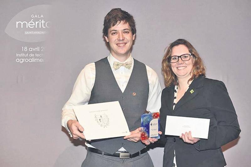 Des étudiants du niveau collégial reçoivent le Prix de la Technopole