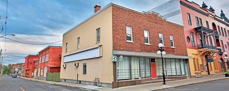 Au moment de son acquisition par la Ville, le sort de la Place Levelco, qui abritait jusqu'à tout récemment le magasin Longtest, n'était pas encore arrêté. Le bâtiment sera finalement démoli. Photothèque | Le Courrier ©