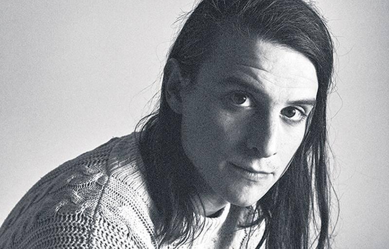 Elliot Maginot a dévoilé la semaine dernière « Common Place », premier extrait d'un album à paraître le 2 novembre.