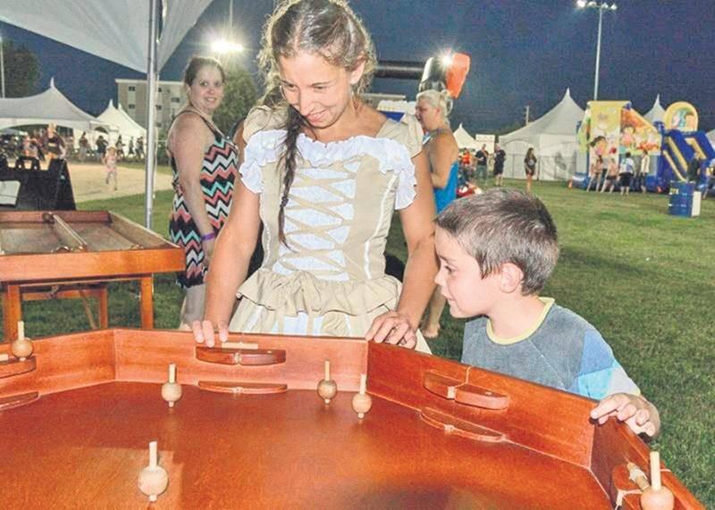 Les tout-petits ont également trouvé leur compte dans le Parc Familial Desjardins. Activités, jeux d'antan, jeux gonflables, jeux d'eau, maquillage et spectacles de magie étaient au rendez-vous pour animer la clientèle jeunesse.