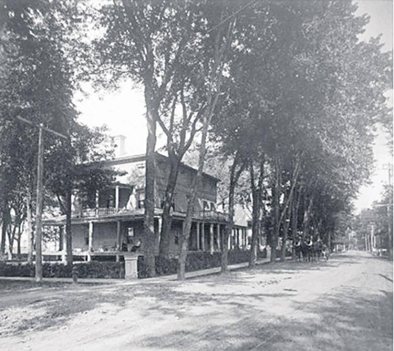 Maison de Louis-Marie Morin à l'angle des rues Girouard et Tellier construite vers 1850.