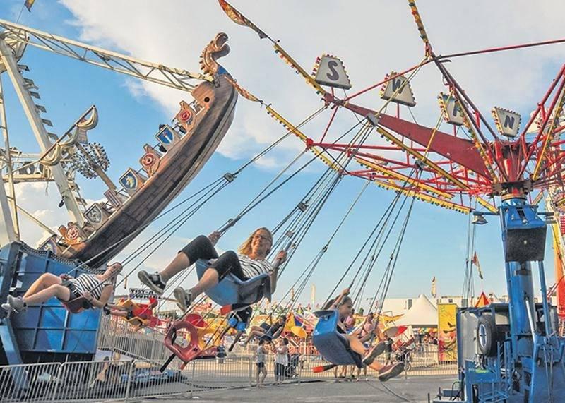 Cette année, les habitués de l'Expo ont découvert un espace manège regroupant des nouvelles attractions pour petits et grands. Photo François Larivière | Le Courrier ©