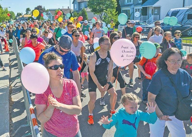 On pouvait voir des ballons multicolores par centaines avant que le coup d'envoi soit donné.