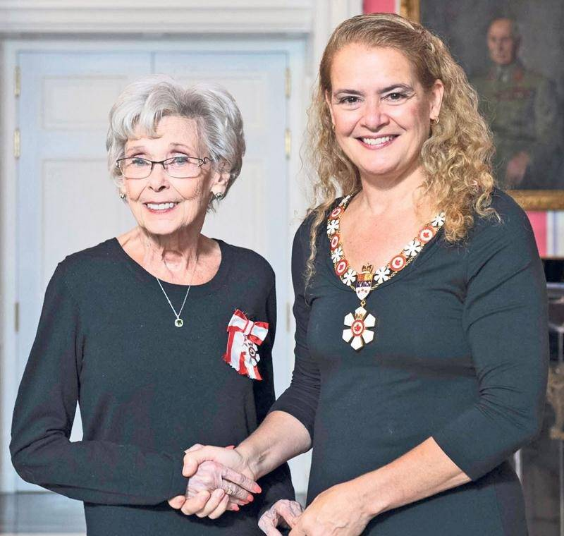 Andrée Champagne et la gouverneure générale du Canada, Julie Payette. Photo Sgt Johanie Maheu, Rideau Hall © OSGG, 2018