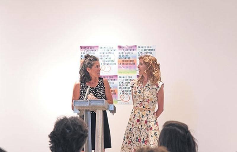La 6e édition de l'événement d'art actuel Orange aura lieu du 16 septembre au 28 octobre. Sur la photo, le duo de commissaires Isabelle et Marie-Ève Charron. Photo Martin Lacasse | Le Courrier ©