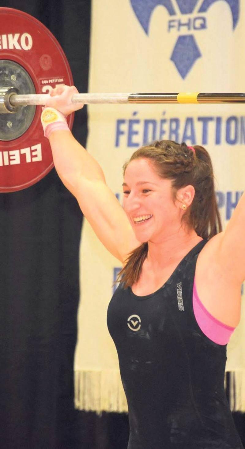 Caroline Lamarche-McClure a terminé au sommet du classement Sinclair au championnat senior d'haltérophilie du Québec. Photo Facebook Fédération d'haltérophilie du Québec