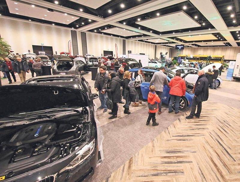 Dans le cadre de la 2e édition du Salon du véhicule électrique de Saint-Hyacinthe, les concessionnaires disposeront cette année d'une plus grande superficie pour exposer leurs modèles hybrides et 100 % électrique. Photothèque | Le Courrier ©