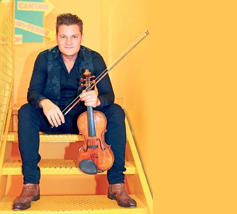 « Le contenu est classique, mais l'enveloppe et les moyens techniques ne le sont pas », soutient Alexandre Da Costa, en parlant de son spectacle Stradivarius à l'opéra. Photo Robert Gosselin | Le Courrier ©