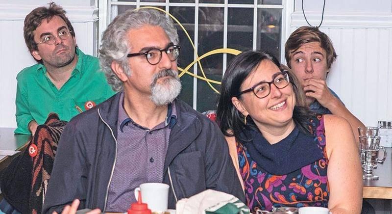 Lundi soir, Marijo Demers a suivi la soirée électorale avec ses proches et quelques dizaines de sympathisants au restaurant Jamais vu. Avec la percée de Québec solidaire un peu partout au Québec, l'ambiance était à la fête. Photo Martin Lacasse | Le Courrier ©