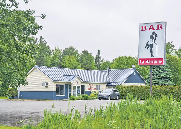 Le bar La Marraine, situé au 17, chemin du Thiercent à Saint-Louis, n'offre plus de spectacles de danseuses nues depuis un jugement rendu le mois dernier.