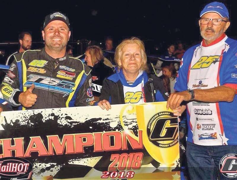 Pour la première fois depuis qu'il a fait le saut de Sportsman à Modifié, Steve Bernier a été sacré champion au terme de la saison à l'Autodrome Granby. Photo courtoisie