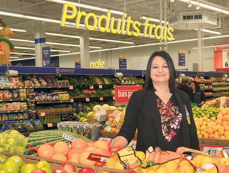 Katia Ferland, gérante de la succursale Walmart de Saint-Hyacinthe, est fière du nouveau concept Supercentre du magasin. Photo François Larivière | Le Courrier ©