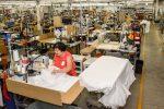 Vêtements SP : des masques et des blouses par milliers!