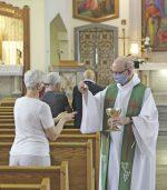 Les fidèles retournent dans les églises
