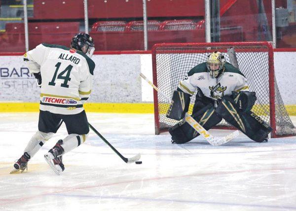 Hockey midget AAA : se défier pour mieux patienter